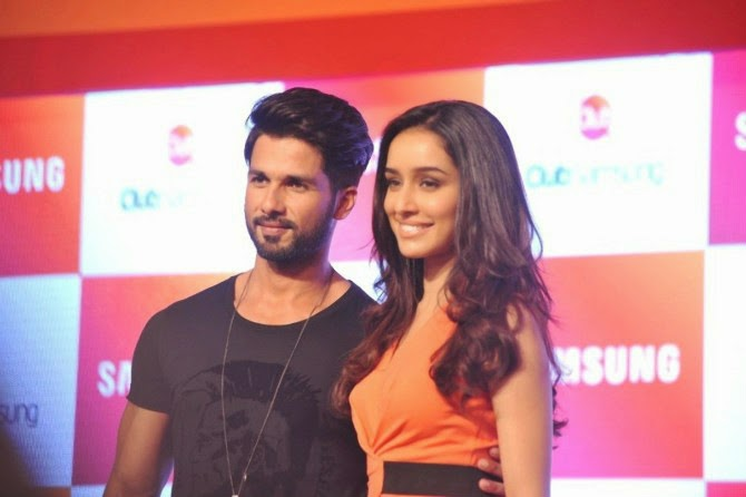 Shahid and Shraddha at Club Samsung Launch