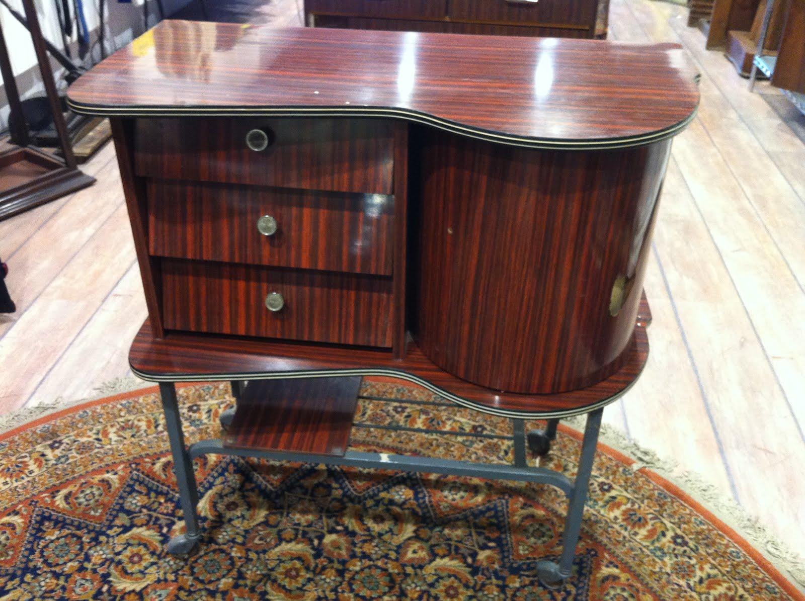 Decoraci n vintage antiguitats baraturantic mueble bar a os 60 - Muebles anos 60 ...