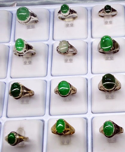 jade rings conservative style