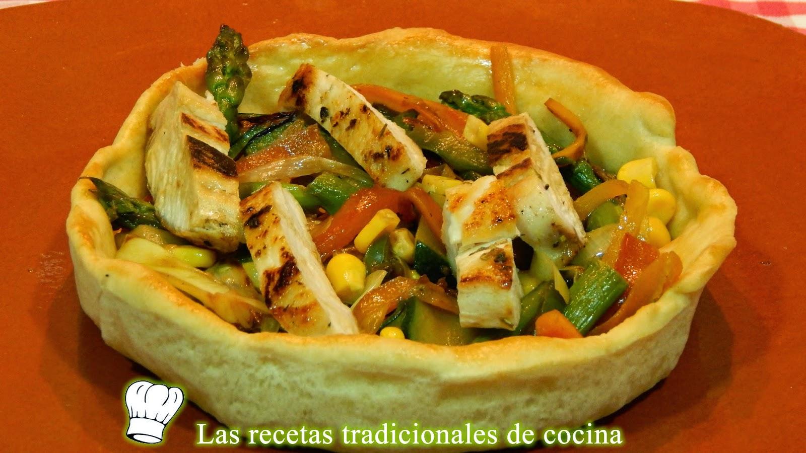Cestas de pan rellenas de verduras y pollo
