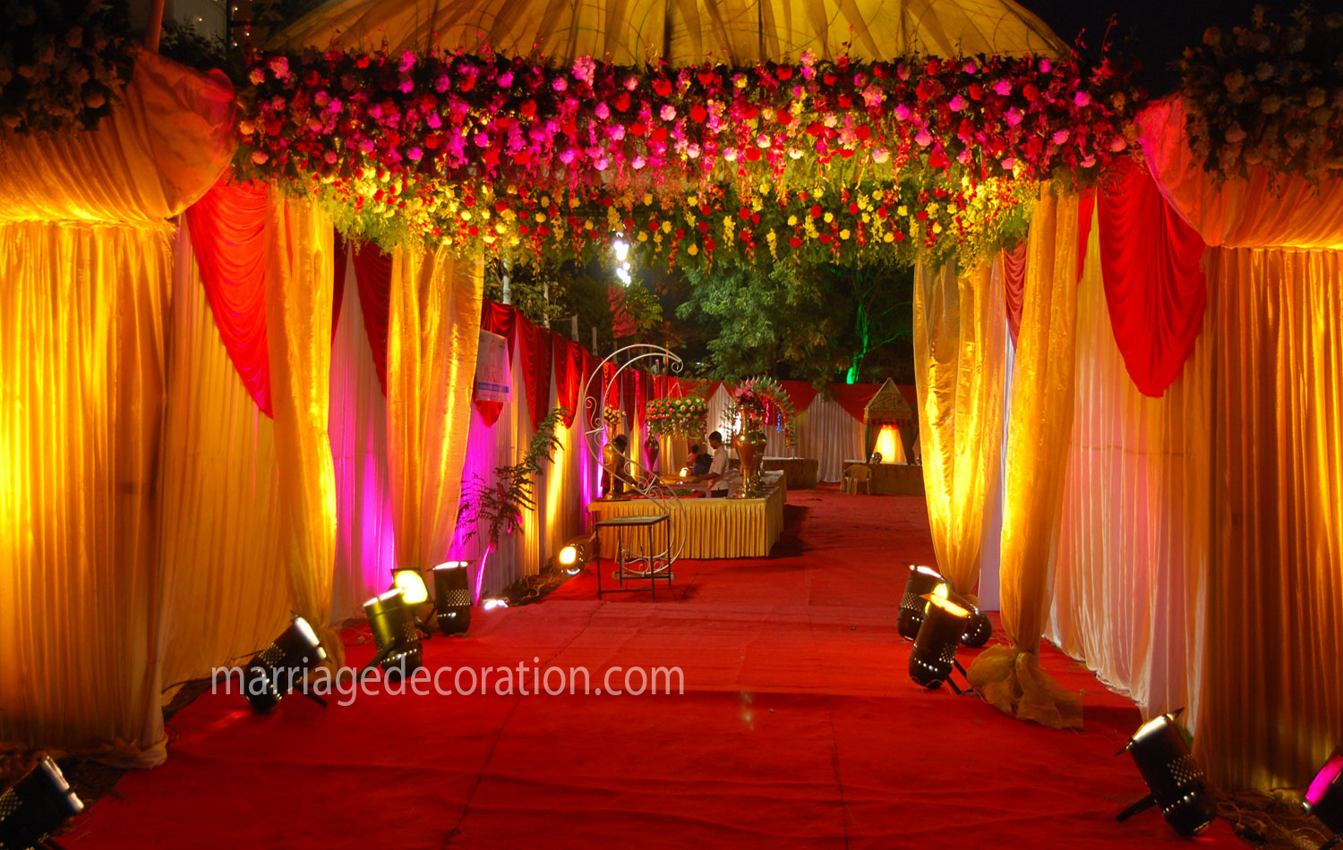 Wedding decorators romantic decoration for Marriage decoration photos