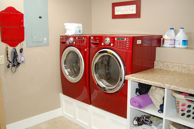 Laundry Folding And Cubbies
