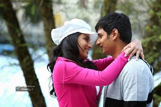 Endrendrum-Punnagai-Movie-Jiiva-Trisha-Stills