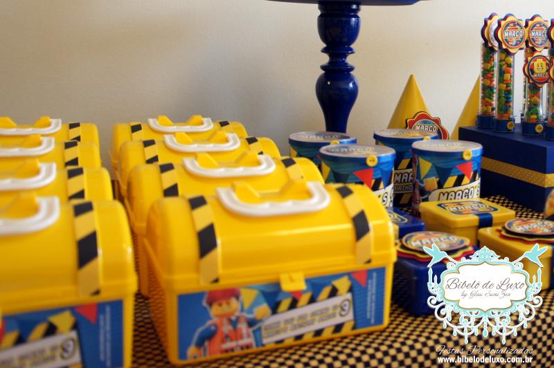 Além dos personalizados o Bibelô também preparou as lembrancinhas para o aniversário de 3 aninhos do Marco, tudo seguindo a identidade visual criada para os personalizados. Cada convidado recebeu uma maletinha personalizada!!!!Confiram o resultado!