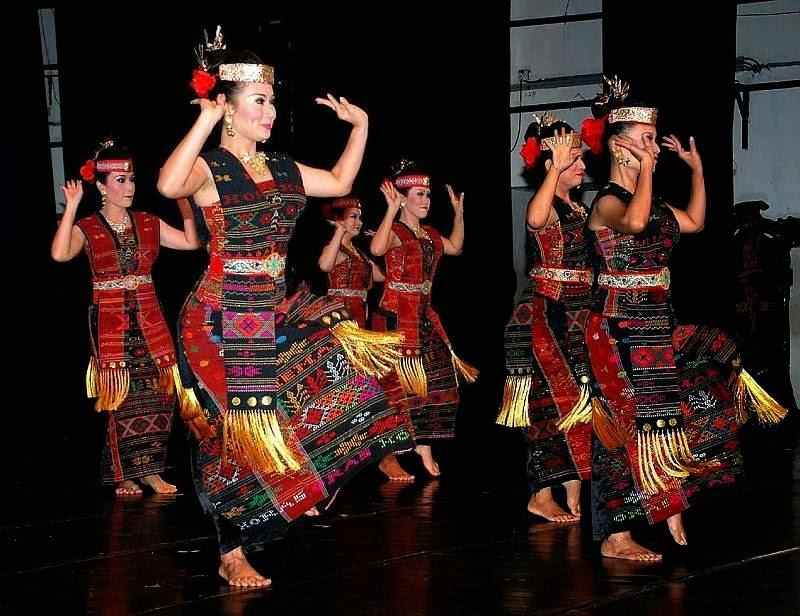 Boru Batak Manortor - Suku Batak, Nilai Budaya dan Aspek Pembangunan