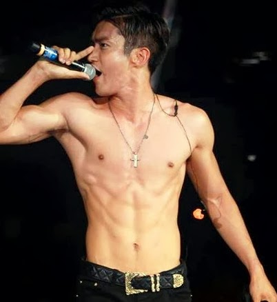 Siwon Hot Body On Stage