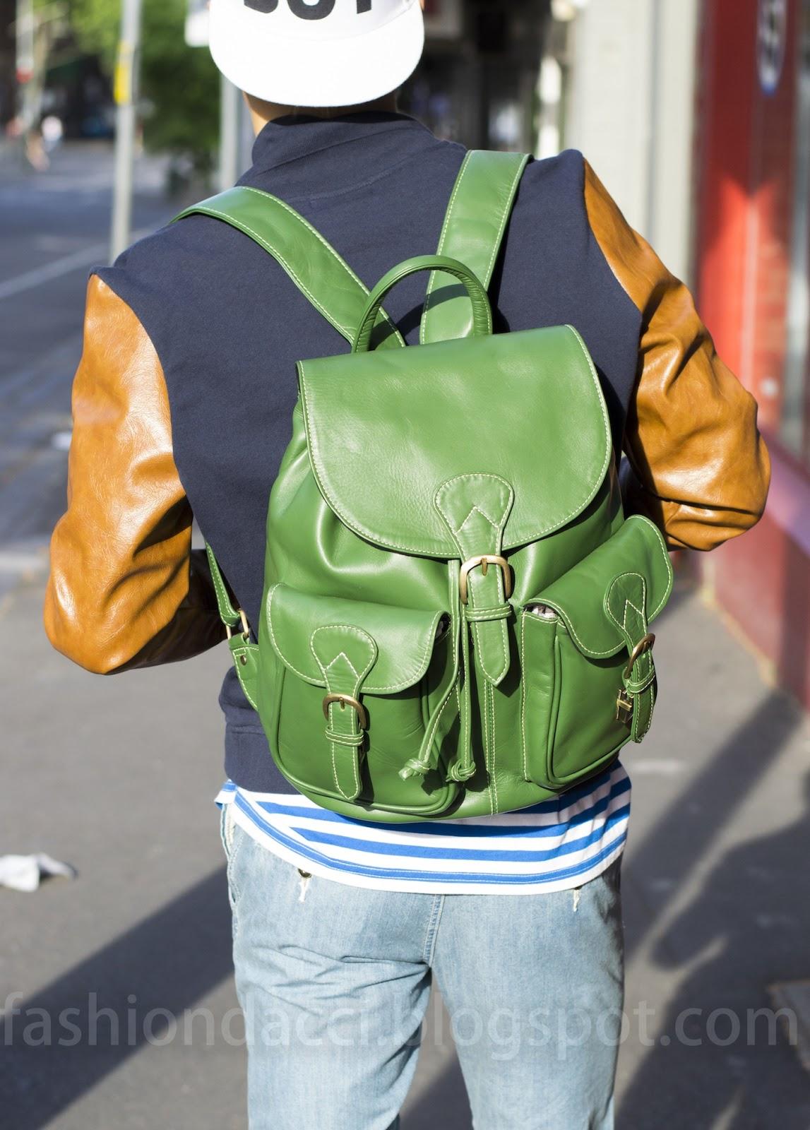 http://3.bp.blogspot.com/-UY80KbUfBzE/UKObTc6yYMI/AAAAAAAADhQ/JrrOaqIxu2I/s1600/blog+backpack+green+from+behind%E5%89%AF%E6%9C%AC.jpg