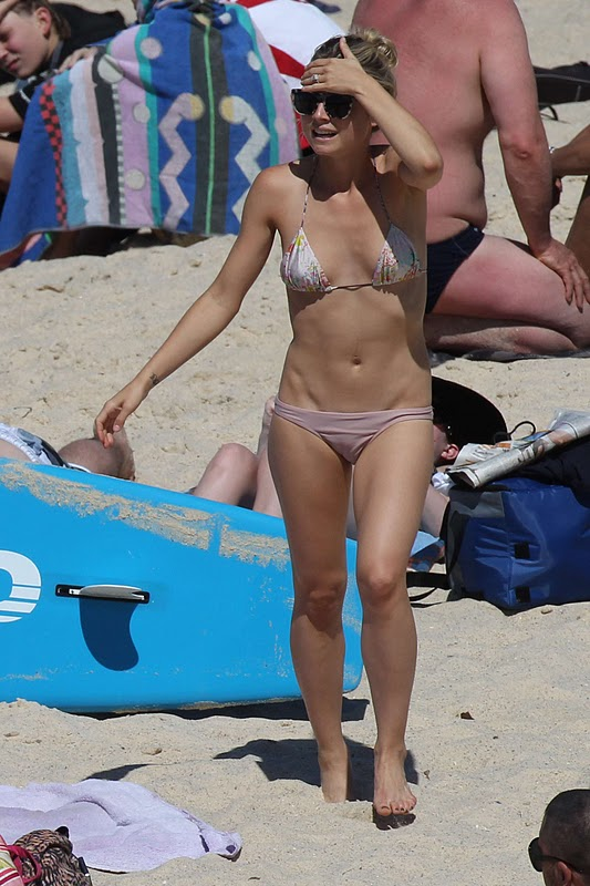 Tessa James - Bikini Candids in Bronte Beach in Sydney