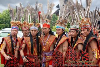 Pakaian Tradisional Kaum Murut.