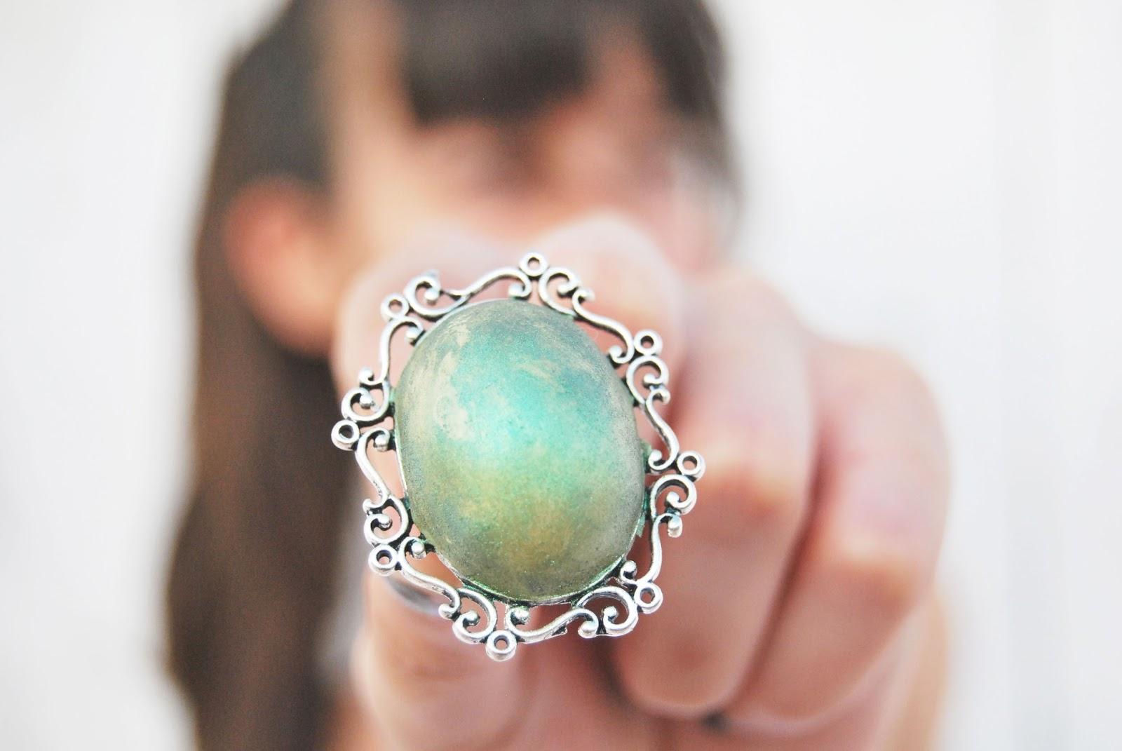 anillo verde rustico