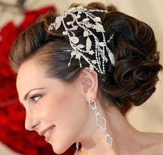 أحدث موضة تسريحات شعر المرأة 2013- أجمل تسريحات 308705.jpg