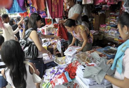 wisata bali pasar seni sukawati