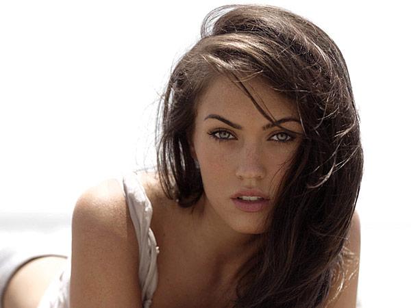 Angelia Nude