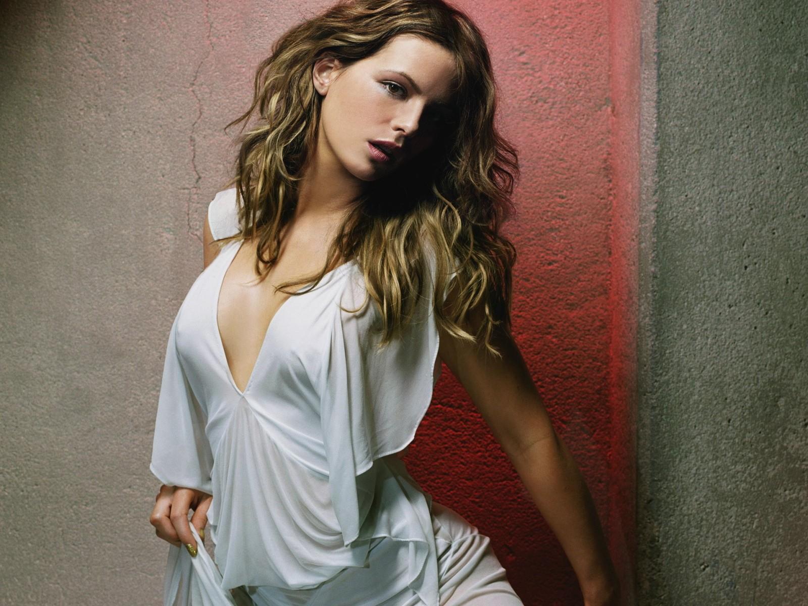 http://3.bp.blogspot.com/-UZ89e4hixsE/UNz3c0pCfaI/AAAAAAAAJuQ/xjxV7sJg0WY/s1600/Kate_Beckinsale7.jpg