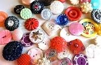 düğme çeşitleri, renkli süslü düğmeler