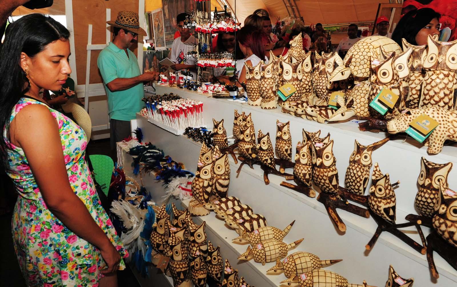 Adesivos De Natal Unhas ~ Artesanato em Parintins oferece variedades para turistas e geraç u00e3o de renda para artes u00e3os O