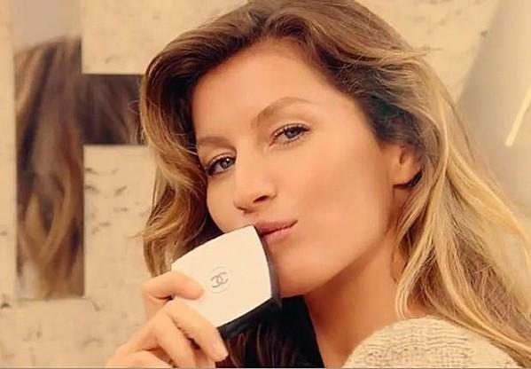 Chanel Les Beiges Poudre Belle Mine Naturelle Gisele Bundchen