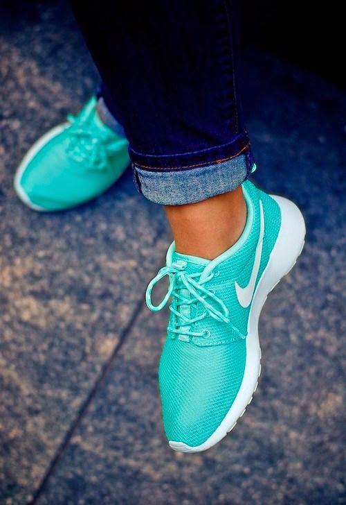 Fashion Nike Roshe Run Turquoise White Beauty Fresh Sport Speed Training Street Style
