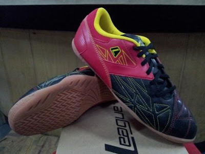 Gioro 2 flakes 105502 063 199 Sepatu Futsal League Terbaru
