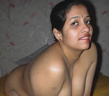 Hot nude woman