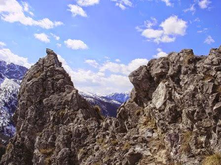 высоцкий парня в горы тяни слушать