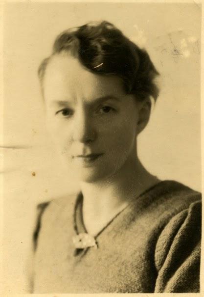 """2 listopada 1942r rano przyszła do nas p. Józefa Chodaczyńska """"Flora"""" i powiedziała o tragedii. Fotografia z 1942 r. w zbiorach KW."""