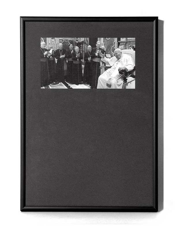 """Imagen de la """"ocurrencia"""" de Miguel Mingotes, titulada Cuadro Flamenco, fotografiada por Pablo Basagoiti para el libro """"Ocurrencies"""" (Editorial Trea - 2006)"""