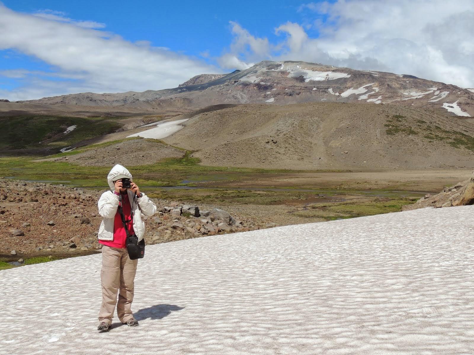 Neve e Vulcão Copahue - Argentina