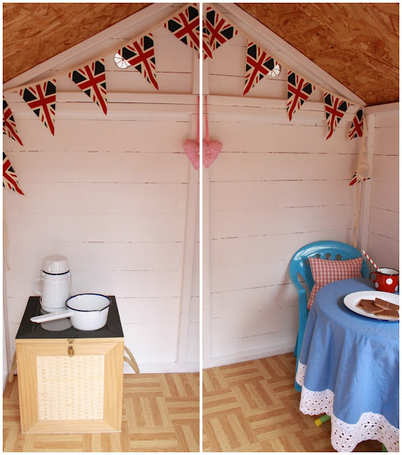 Tales from a happy house a garden playhouse makeover for Wendy house ideas inside