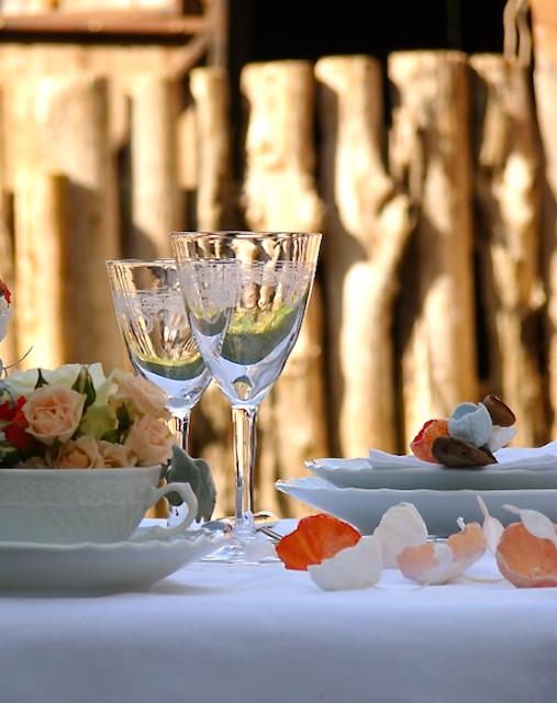 fiori di carta per matrimonio eco in stile shabby , decorazione tavoli