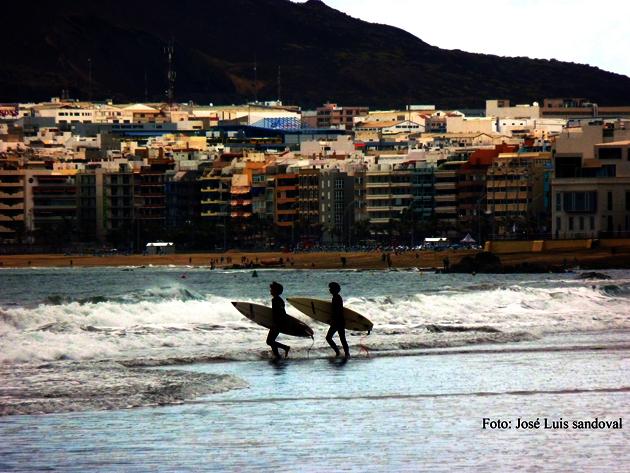 dos personas desaparecidas playa de las canteras, las Palmas de gran canaria