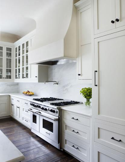 Cabinets for kitchen kitchens with white cabinets for Pics of white kitchens