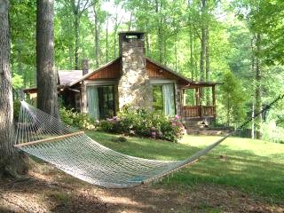 North carolina cabins mountain vacation rentals and for Cheap cabin rentals in asheville nc