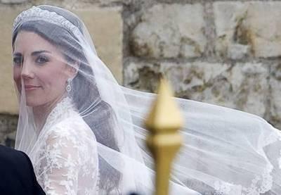Acconciatura sposa 2016 con velo