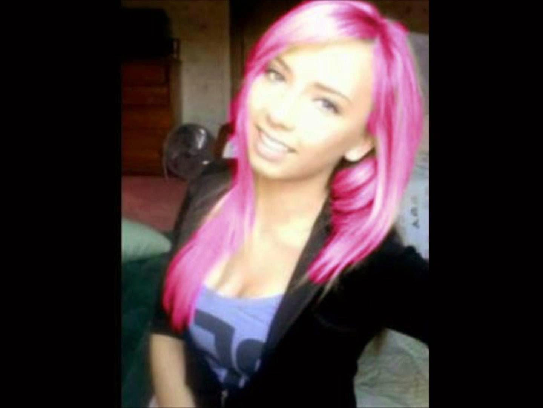 Eminems daughter Hailie Scott Mathers reveals six pack