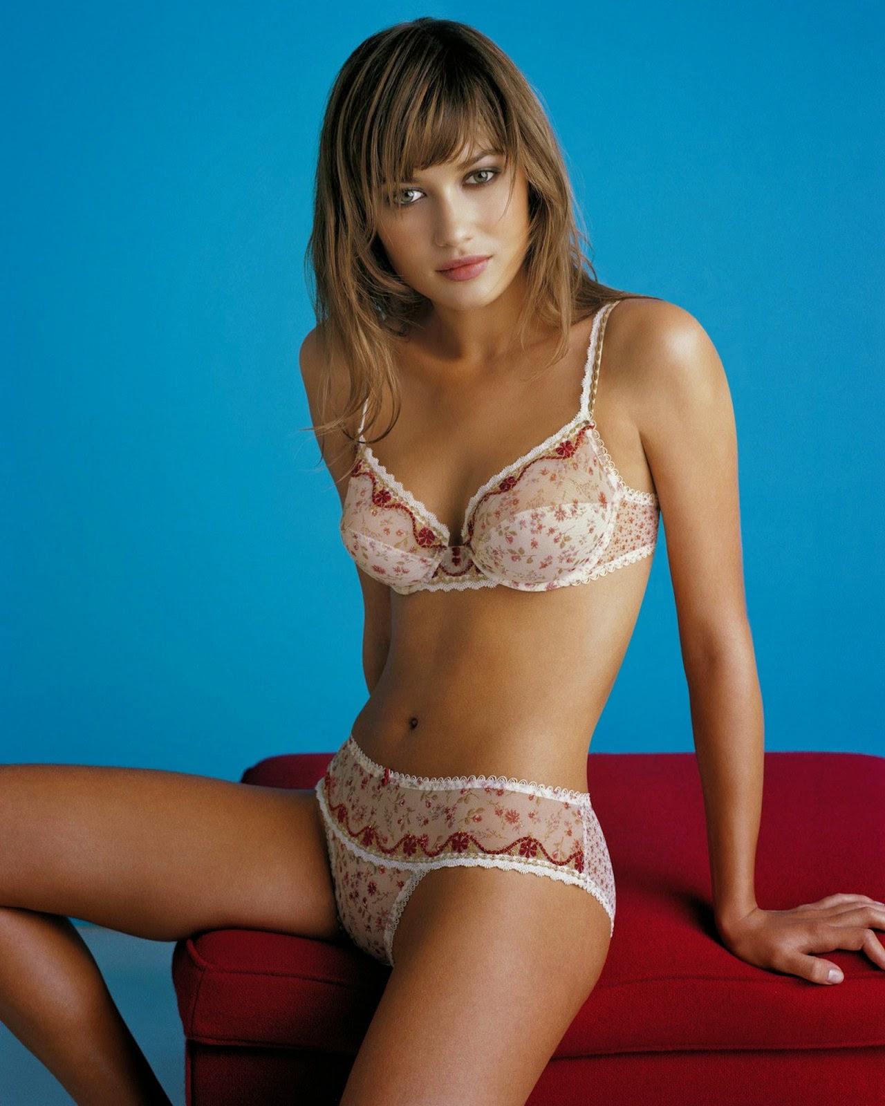 Olga Kurylenko Sexy Bikini Model