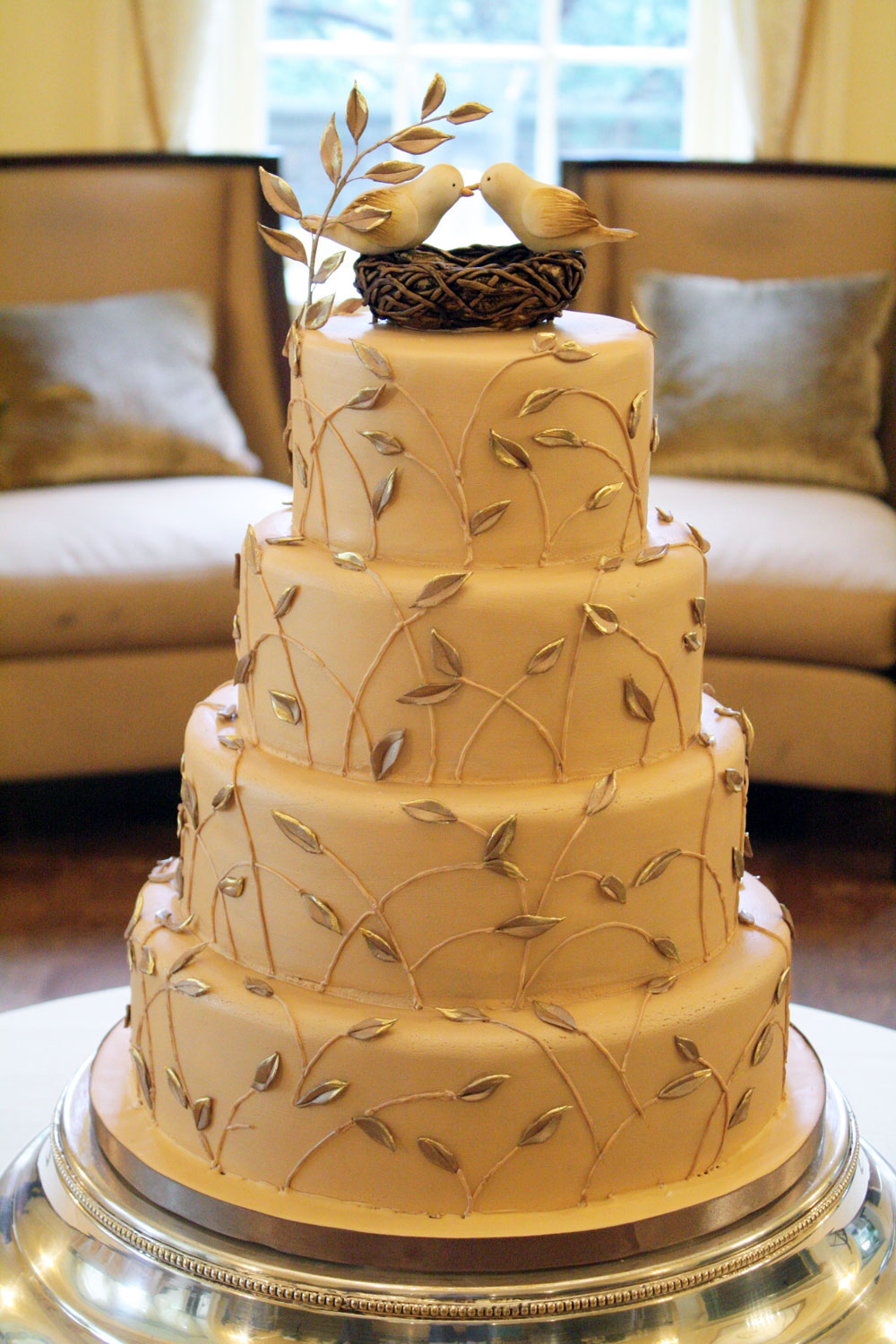 Let Them Eat Cake (At Your Wedding): Love Birds Top This Cake