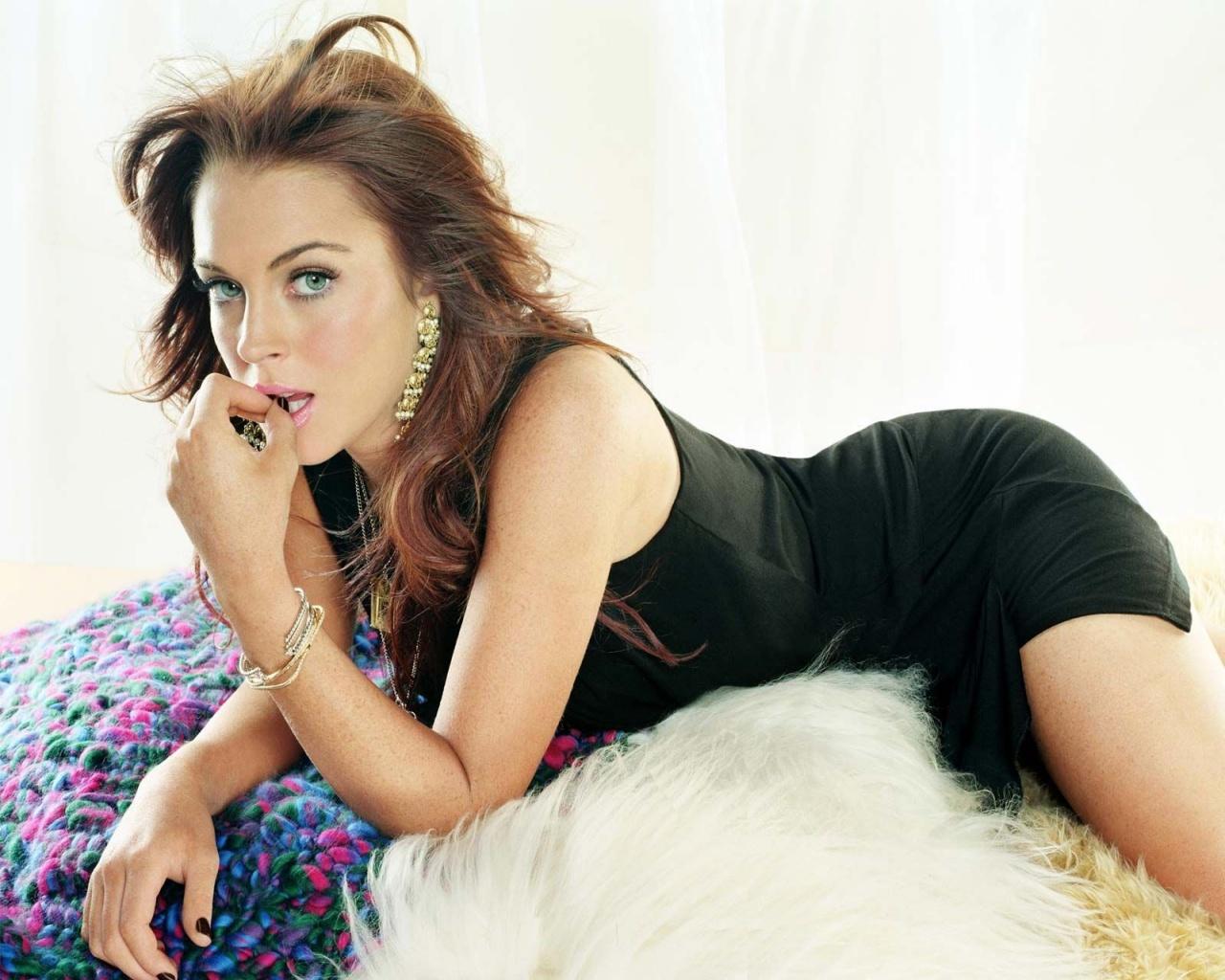 http://3.bp.blogspot.com/-UaS8p4jrWNI/UO-If4abwVI/AAAAAAAAHZs/D9ny53X8jFk/s1600/Lindsay+Lohan+1.jpg