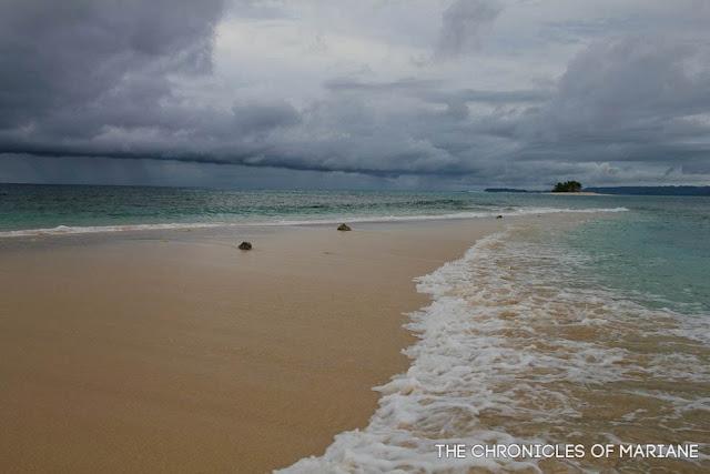 naked island surigao