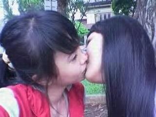 Wow... Cewek ABG Nakal Doyan Lesbian