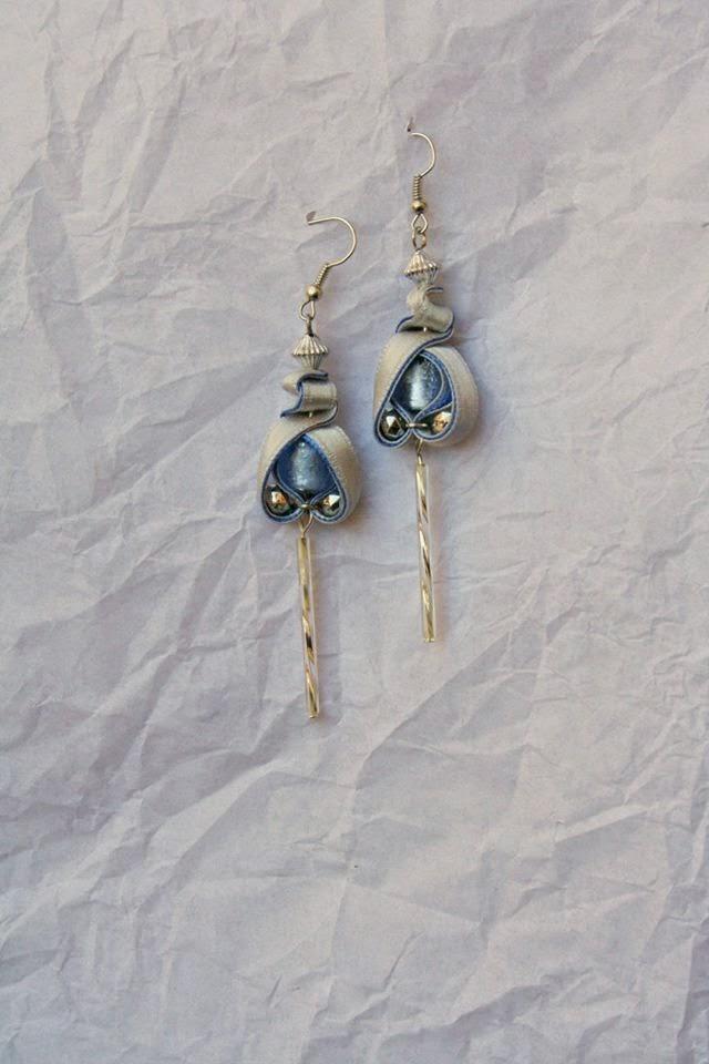 Szürke kék egyedi fülbevaló gyönggyel és lógóval