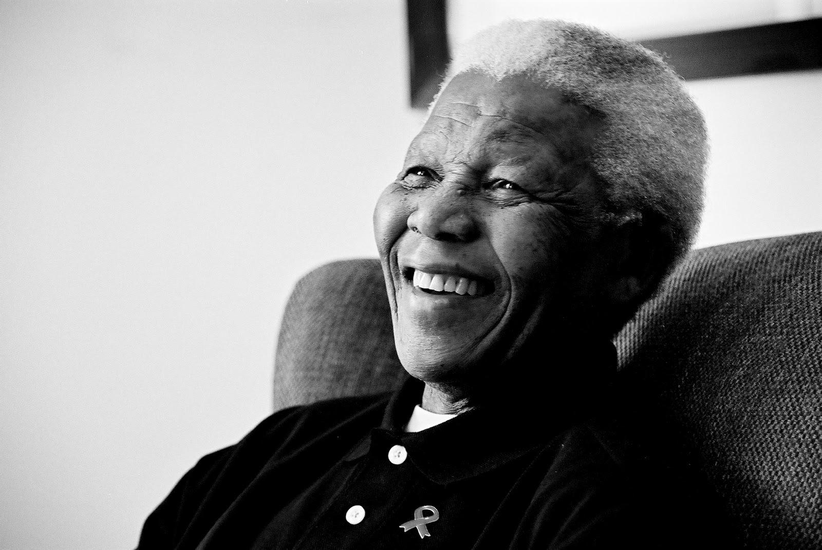 http://3.bp.blogspot.com/-Ub0Qhn7syjY/UbuuZkSsf0I/AAAAAAAATiU/Dd0vbp6mCCY/s1600/Photos-Nelson-Mandela-Wallpaper-HD.jpg