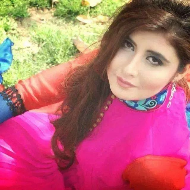 Hot Pakistani Actress Najeeba Faiz Pics