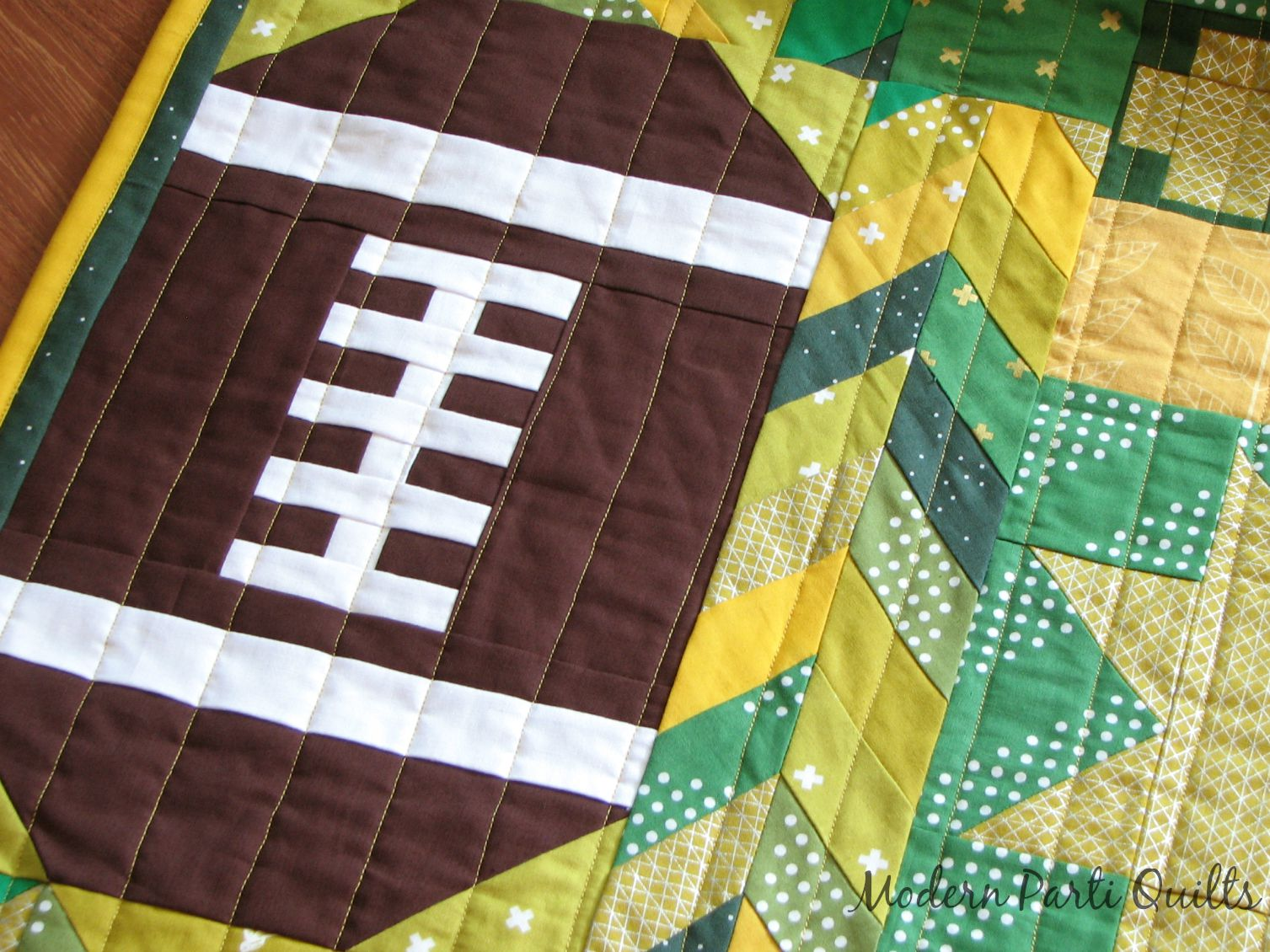 Modern Parti Quilts: Green Bay Packers Quilt : green bay packers quilt - Adamdwight.com