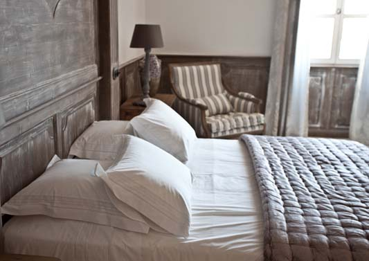 Blanc D'Ivoire Hotel Partner:  La Bastide de Brurangre in Provence ,Vaucluse, near Avignon as seen on linenandlavender.net