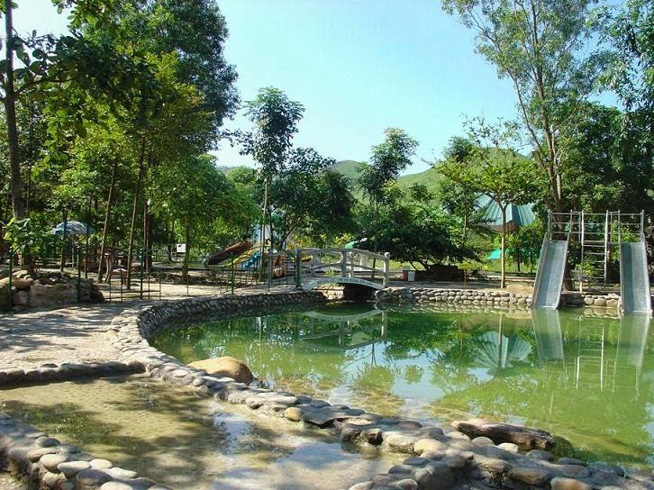 bể tắm suối nước nóng Thanh Tân