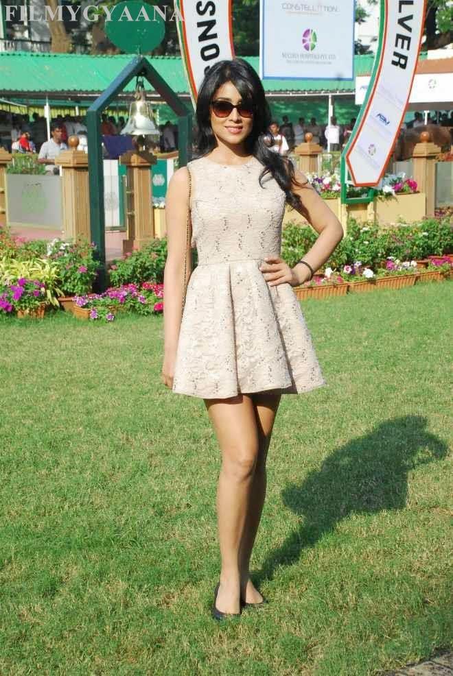 Shriya Saran Hot Thigh Wallpapers In Short Mini Frock