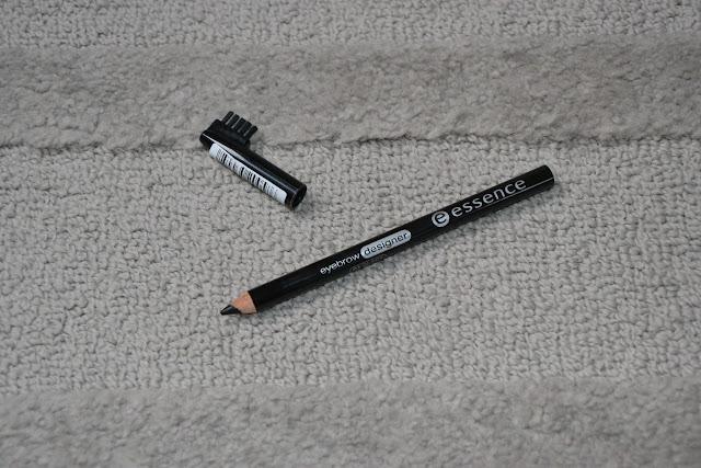 Review: Essence Eyebrow Designer