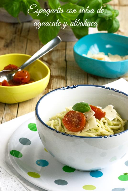 espaguetis-con-salsa-de-aguacate-y-albahaca