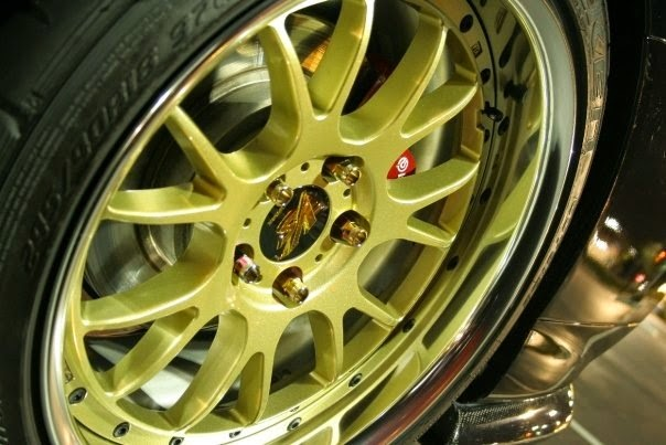 Mitsubishi Evo Chrome and Gold Rims
